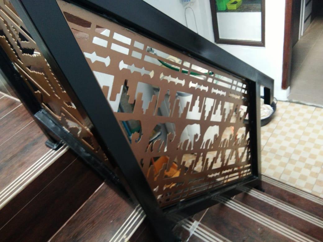 pembatas tangga plat besi cutting